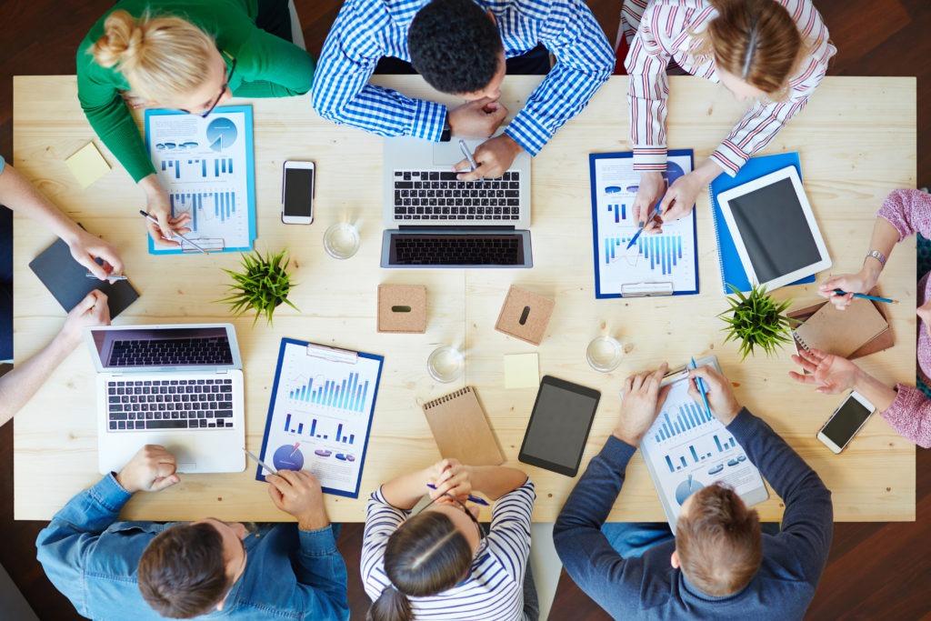 Facebook avec la Workplace permet de travailler en équipe